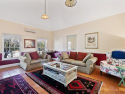 18 Avon Terrace, York, WA 6302, Australia