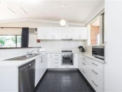 19 Bunney Rd, Kelmscott WA 6111, Australia