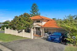 43 Hutchinson St, Redhead NSW 2290, Australia