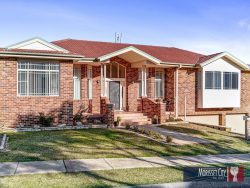 18 Riesling Rd, Bonnells Bay NSW 2264, Australia