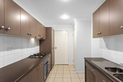 Unit 25/337 Spring St, Willows on Spring, Kearneys Spring QLD 4350, Australia
