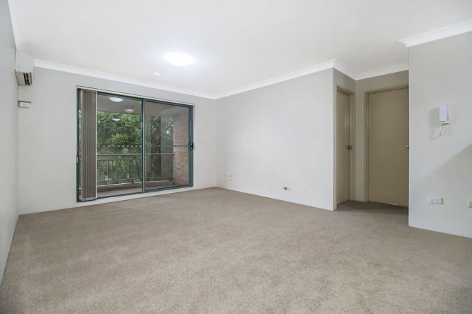 16 16 frank oliveri drive chipping norton nsw 2170 for Kitchens chipping norton
